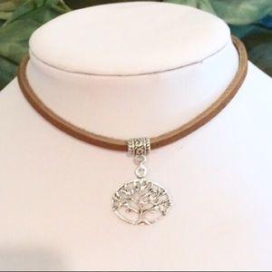 Jewelry - Tree of life leather choker